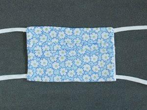 Mondkapje mondmasker blauw wit gebloemd voorkant