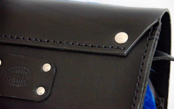 Foto van kleine schoudertas detail achterzijde
